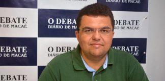 Chico_machado_redação_debate