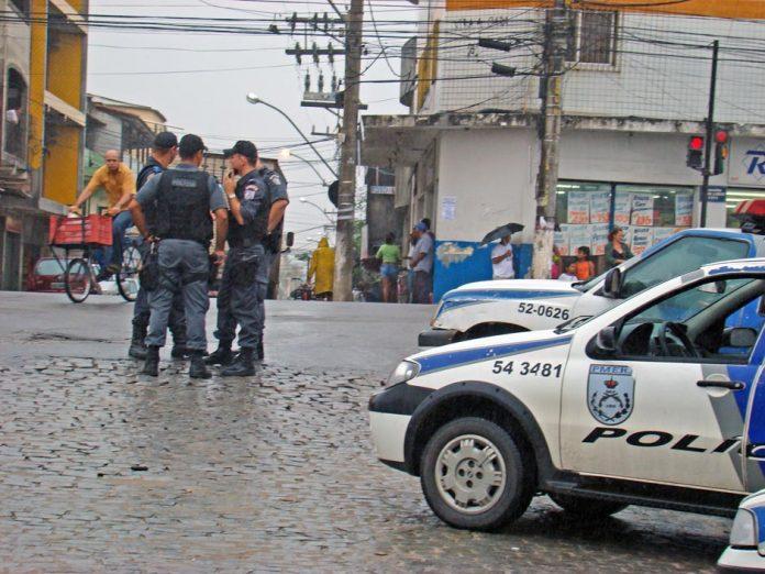 policia 5-4 nova holanda-gil